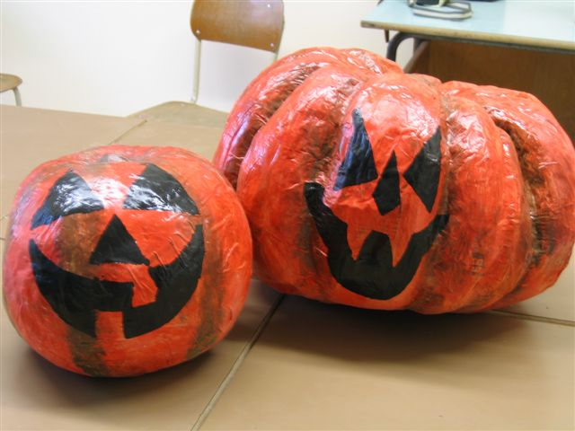 Zucca Halloween Cartapesta.Zucche Di Cartapesta Per Festeggiare Halloween Riviera Oggi