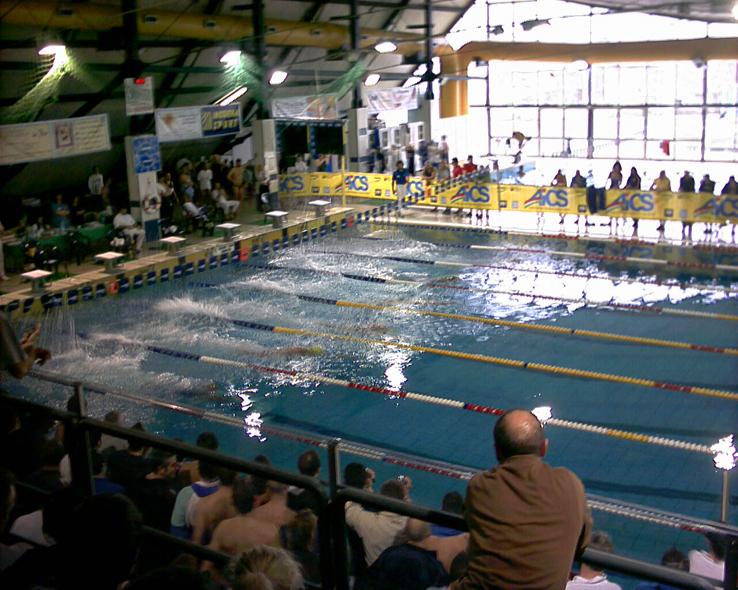 Un'immagine della piscina di Desenzano