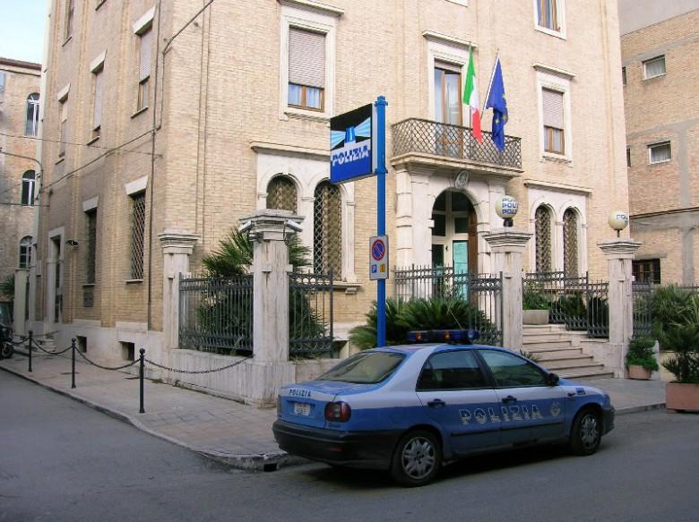 il commissariato di polizia di San Benedetto (foto di repertorio)