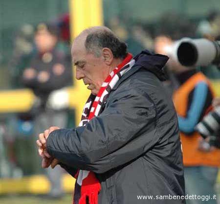 Francesco Chimenti guarda l'orologio: è (ri)tonarnato il suo momento