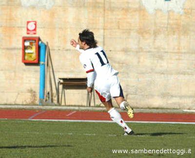 Lumezzane-Samb: Docente esulta, è il gol che ha deciso la sfida del Comunale