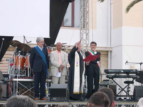 Don Giovanni battezza la Piazza