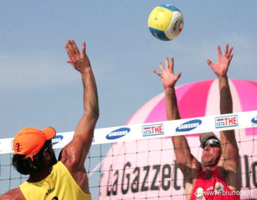 Beach Tour, Taranto: Galli-Raffaelli e Marolda-Marini in azione (Foto Palumbo)