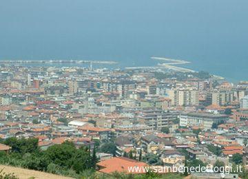 Un panorama sul centro di San Benedetto
