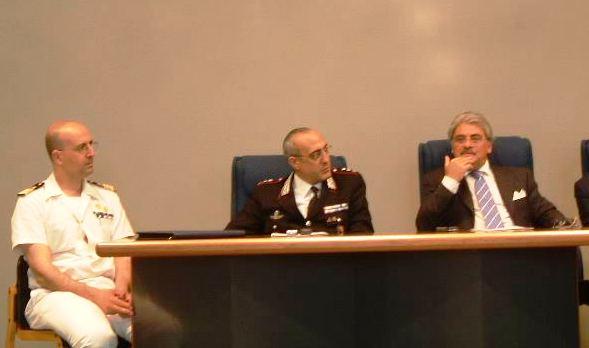 Da sinistra a destra: il comandante della Capitaneria di Porto Giuseppe Aulicino, il Comandante Provinciale dei Carabinieri Sante De Pasquale e il Questore di Ascoli Niccolò D'Angelo