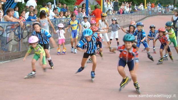 Piccoli pattinatori in gara alla pista Piattoni di Castel di Lama