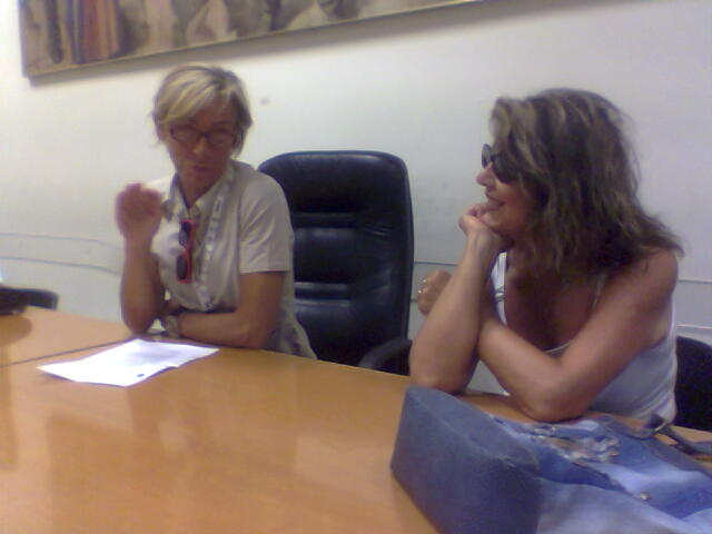 L'assessore alla cultura Margherita Sorge e Franca D'Amario, presidente del Lions Club Host, durante la conferenza stampa