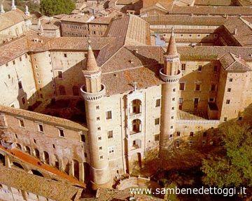 Il Palazzo Ducale di Urbino, uno dei gioielli dell'architettura marchigiana