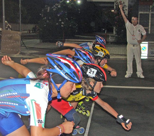 Alcune atlete pronte per la partenza nelle gare su strada a Villa Rosa.