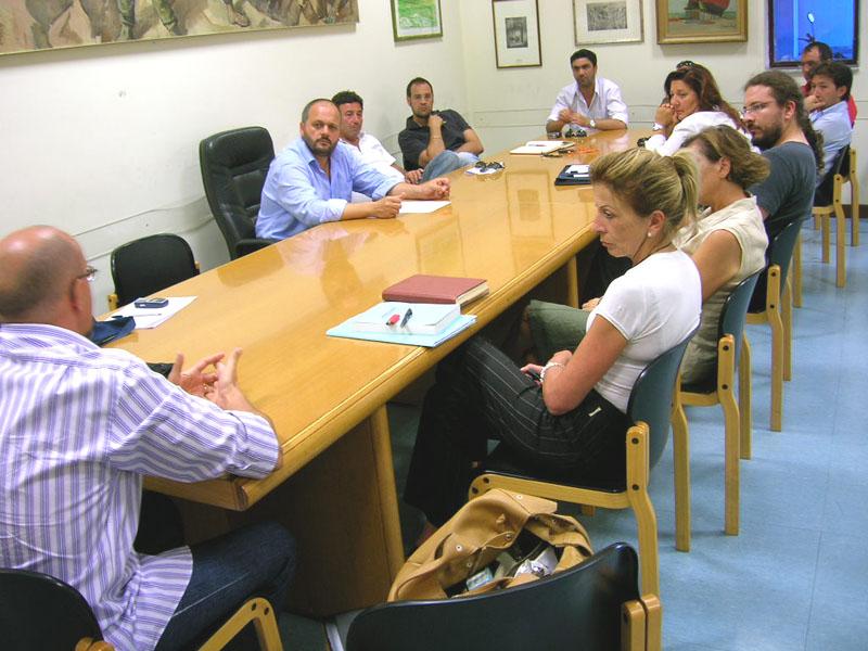 Un'immagine dell'incontro tra il sindaco Gaspari e presidenti e vice delle Commissioni consiliari