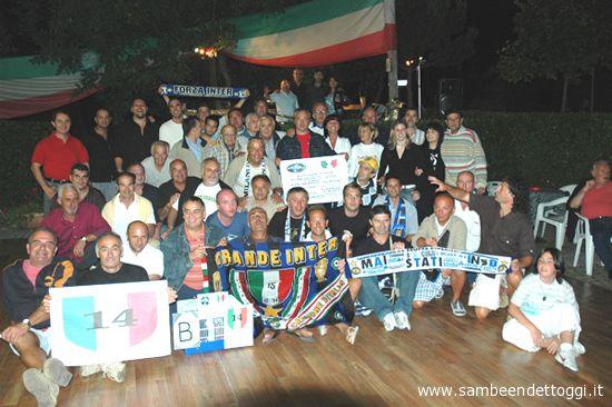Foto di gruppo per i tifosi interisti di Pagliare del Tronto