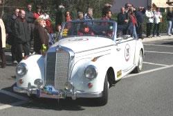 Auto d'epoca in viale Moretti
