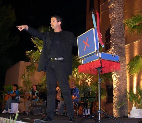 Giampiero Lucchi  durante l' esibizione