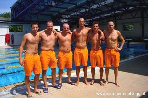 I nuotatori master della Delphinia Luconi, Taddei, Mencarelli, Pirani, Marzocchi e Cecilioni