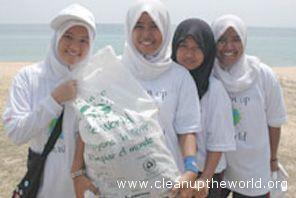Anche in Malesia, in questi giorni, sono all'azione i volontari di Clean Up the World