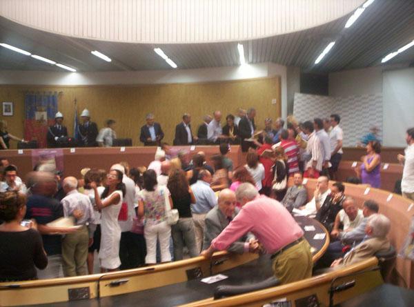 Il pubblico intervenuto alla sala consiliare
