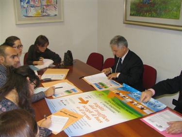 L'assessore provinciale Maroni durante la presentazione dell'iniziativa