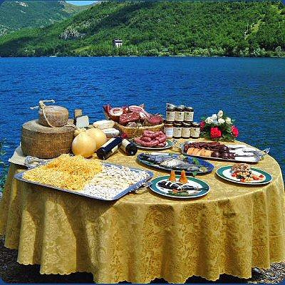 I piatti della tradizione marchigiana in piazza Giorgini