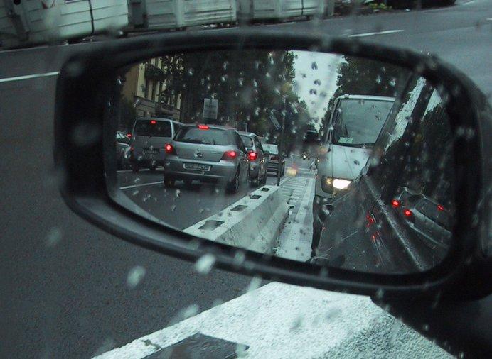 Allarme polveri sottili: centro cittadino chiuso alle auto dei non residenti
