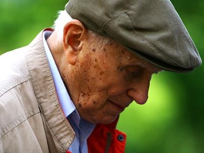 Nuova gestione per il numero verde per gli anziani