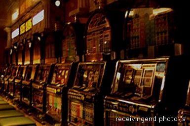 Slot machines in un casinò