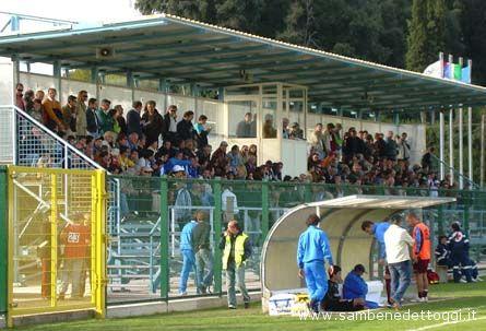 La tribuna dello stadio Comunale di Centobuchi