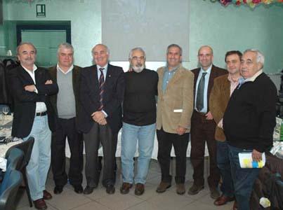 Foto di gruppo per il comitato organizzatore dell'Ascoli-San Benedetto al Papillon di Porto d'Ascoli