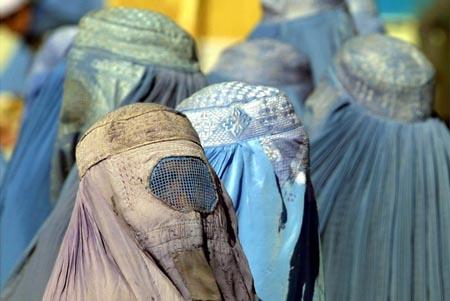Donne col Burka a Kabuk