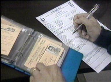 In manette albanese per possesso di documenti falsi