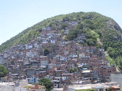 L'emarginazione delle favelas al centro del documentario