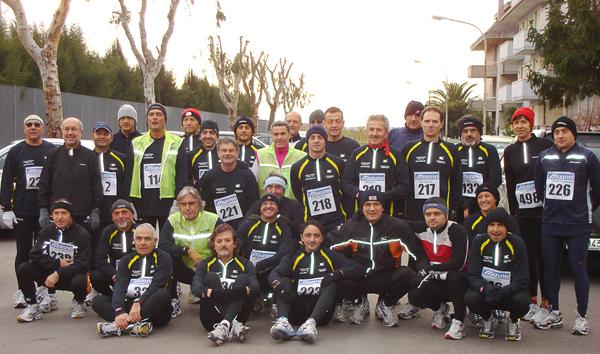 Foto di gruppo per i soci della Polisportiva Porto 85