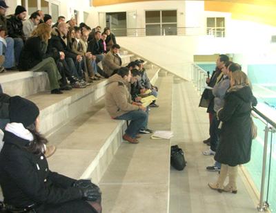 Un momento della presentazione delle attività sociali dell'AS Tridacne Sub alla piscina comunale di Grottammare