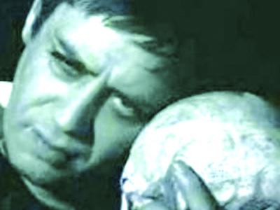 Carmelo Bene in una rappresentazione dell'Amleto