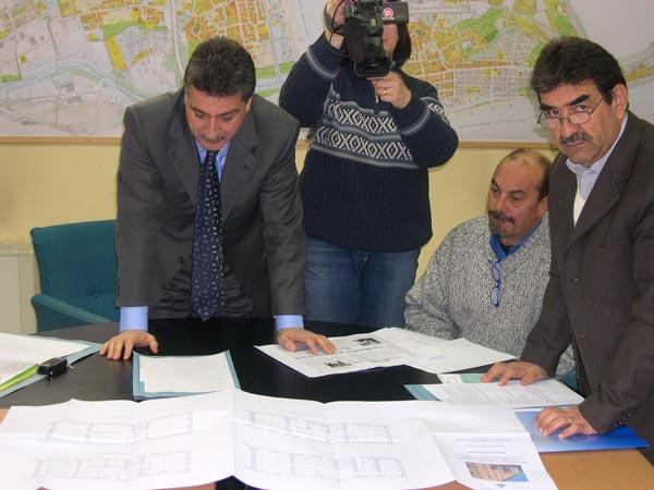 Il Sindaco Luigi Merli e l'Architetto Piernicola Cocchiaro presentano il progetto della nuova biblioteca