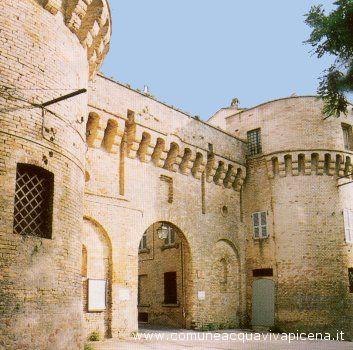 Porta da Bora, il monumento cittadino cui s'ispira l'omonima lista civica del gruppo di minoranza del Comune di Acquaviva Picena