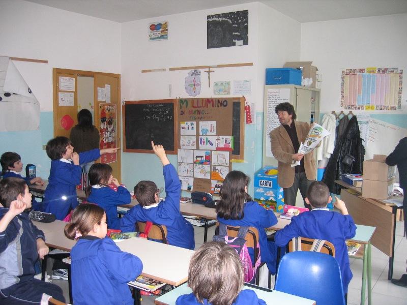 L'assessore Capriotti in una classe per sensibilizzare al risparmio energetico