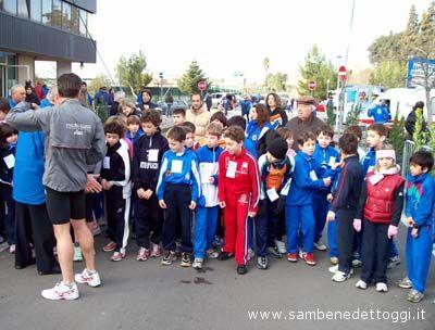Maratonina di Centobuchi 2007: la partenza del circuito da 600 metri