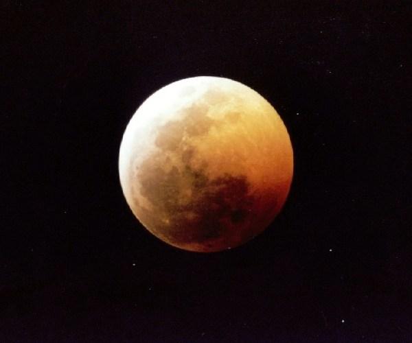 Sabato 3 marzo eclisse totale di luna