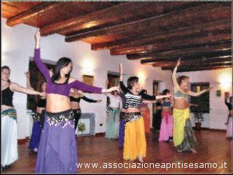 Un seminario per imparare la danza orientale egiziana