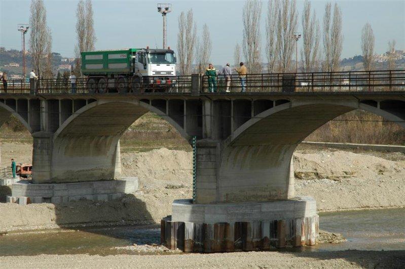 La prova di carico sul ponte