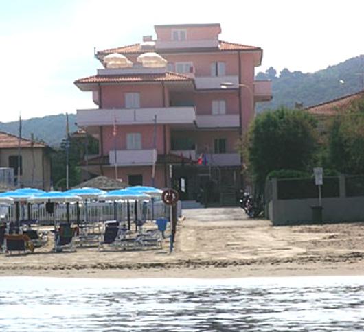 Un albergo vicino al mare
