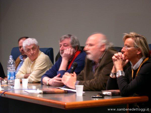Il Sindaco Giovanni Gaspari, Loriano Macchiavelli, Francesco Gucini, Gino Troli, Margherita Sorge