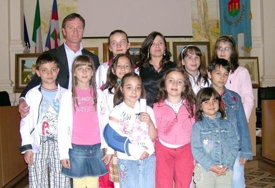 L'Assessore Croci, Vecchiotti ed i bambini del corso