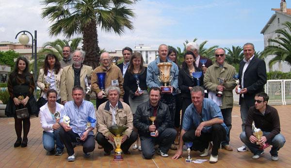 Il gruppo degli artisti premiati