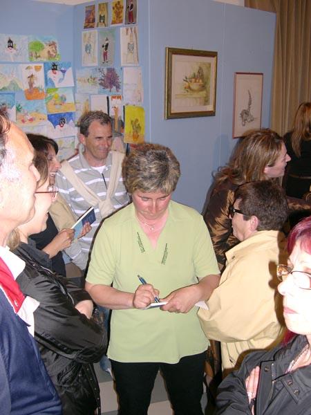 Lorella Ruggieri firma autografi e dediche