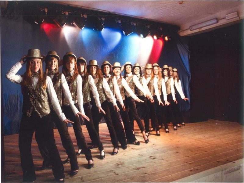 gli studenti della Scuola di Musical durante le prove dello spettacolo