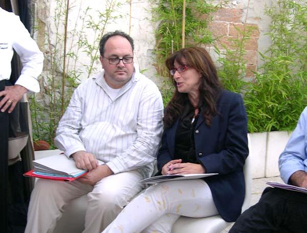 Michele Rossi assieme alla curatrice Mimma Pecorari