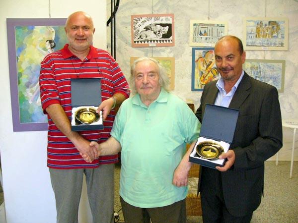 Il professor Sergey Kukharenko, l'artista Guido Venieri ed il Vicesindaco di Grottammare Fausto Tedeschi