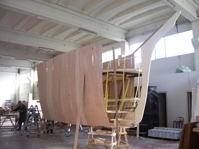 Foto della barca in costruzione presso il cantiere PGSolution di Presicci Giovanni in Lucrezia di Cartoceto (PU).