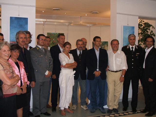Le autorità intervenute alla cerimonia di consegna dei defibrillatori
